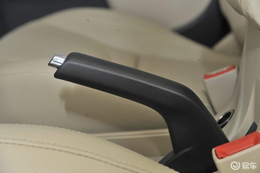 奇瑞汽车电子油泵电路图