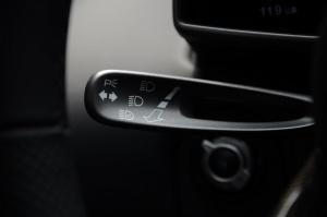 迈凯伦MP4-12C 大灯远近光调节柄