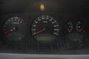 荣威W5仪表盘背光显示图片