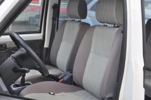 众泰V10驾驶员座椅图片