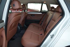 宝马5系旅行轿车(进口)后排空间图片