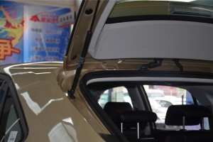 比亚迪S6 行李厢支撑杆