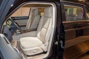 红旗L5驾驶员座椅图片