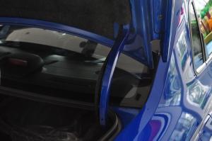 斯巴鲁 WRX STI 行李厢支撑杆