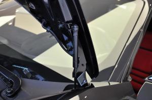 法拉利458(进口)行李厢支撑杆图片