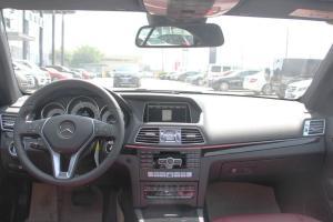 E级双门轿跑车(进口)完整内饰(中间位置)图片