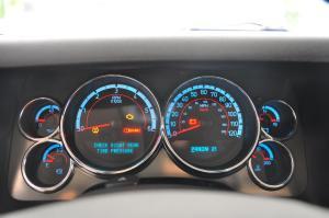 悍马H6 仪表盘背光显示