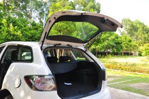 马自达CX-7 行李厢开口范围