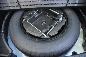 马自达CX-7 备胎