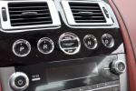 阿斯顿马丁DB9 中控台音响控制键