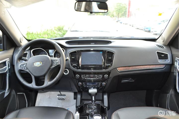 吉利豪情SUV完整内饰 中间位置 新款吉利豪情SUV完整内饰 中间位置 高清图片