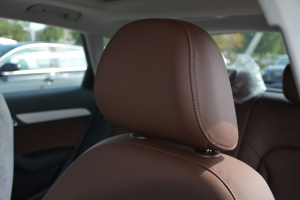 奥迪Q3(进口)驾驶员头枕图片