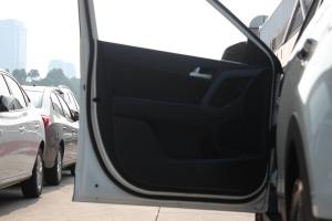 ix25驾驶员侧车门内门板