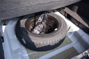 凯翼C3 备胎