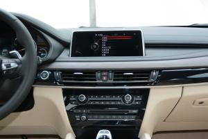 宝马X6中控台正面图片