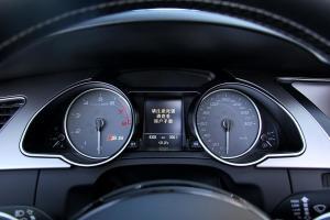 奥迪S5仪表盘背光显示图片