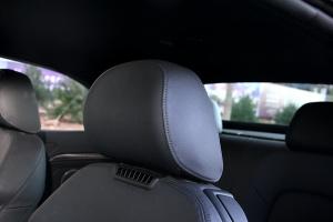 奥迪S5驾驶员头枕图片