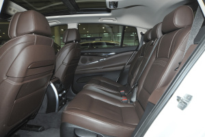 宝马5系GT(进口)后排空间图片