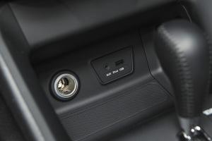 ix35AUX接口