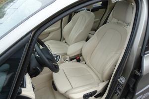 宝马2系运动旅行车(进口)驾驶员座椅图片