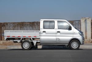 东风小康K02 正侧(车头向右)