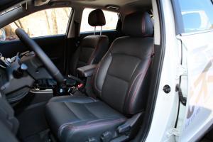 新圣达菲驾驶员座椅图片