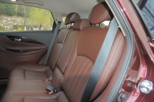 英菲尼迪QX50后排座椅图片