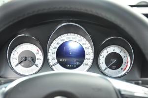 奔驰GLK级 仪表盘背光显示