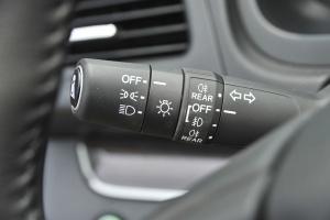 CR-V大灯远近光调节柄