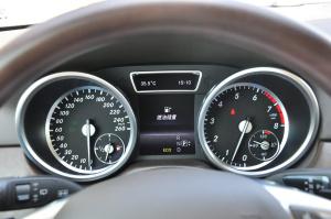 奔驰GL级(进口)仪表盘背光显示图片