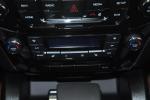吉利豪情SUV 中控台空调控制键