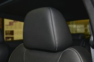 英菲尼迪ESQ驾驶员头枕图片