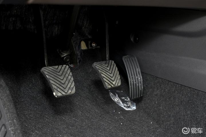 广汽传祺GS4脚踏板 新款传祺GS4脚踏板 传祺GS4内饰图片 536000高清图片