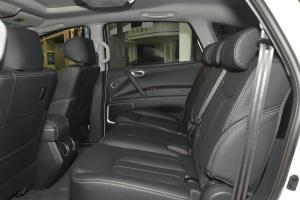 纳智捷大7 SUV 后排空间