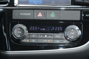进口三菱欧蓝德 中控台空调控制键