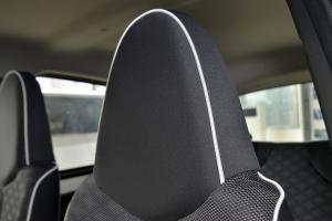 比亚迪F0                驾驶员头枕