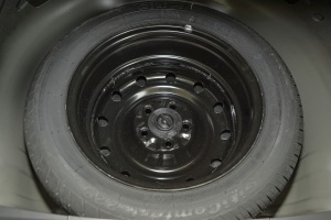 比亚迪G5 备胎