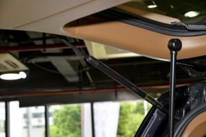 领航员2015款 外交官 3.5L 自动 美规版 外观颠峰黑