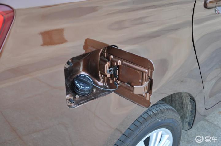 五菱宏光S1油箱盖 新款五菱宏光S1油箱盖 五菱宏光S1外观图片 高清图片