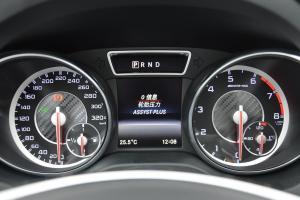 奔驰CLA级AMG仪表盘背光显示图片