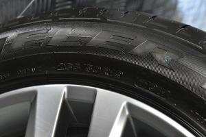 途锐轮胎规格