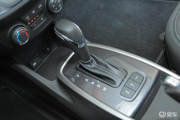 雪佛兰乐风RV挡把 新款乐风RV挡把 上汽通用雪佛兰乐风RV内饰图片 高清图片