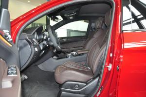 进口奔驰GLE级AMG运动SUV 前排空间