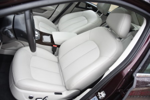 众泰Z700               驾驶员座椅