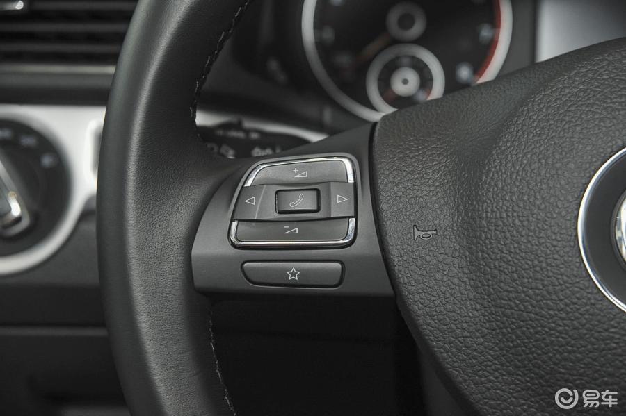 【帕萨特2015款1.8T 双离合 尊荣版方向盘功能键(左)汽车图片-汽车高清图片