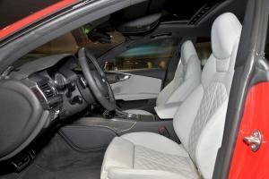 进口奥迪S7 前排空间