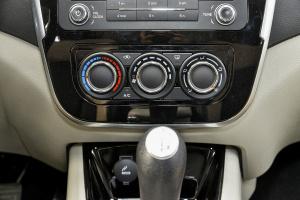 景逸X3中控台空调控制键