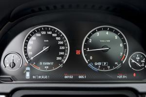 宝马5系GT(进口)仪表盘背光显示图片