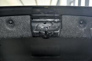 5系2015款 530Le 外观炭黑色 内饰咖啡色真皮