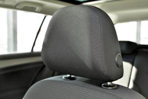 Golf旅行轿车驾驶员头枕图片